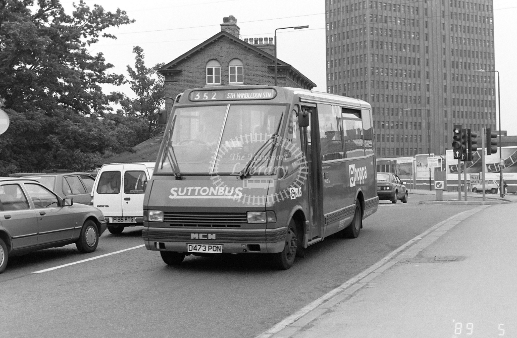 Suttonbus Metrorider Class MR MR13 D473PON at Merton  ,High Street  in 1989 on route 352 - Russell Fell