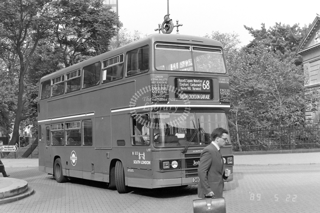 South London Leyland Olympian Class LS L197 D197FYM at Euston ,Station  in 1989 on route 68 - Russell Fell