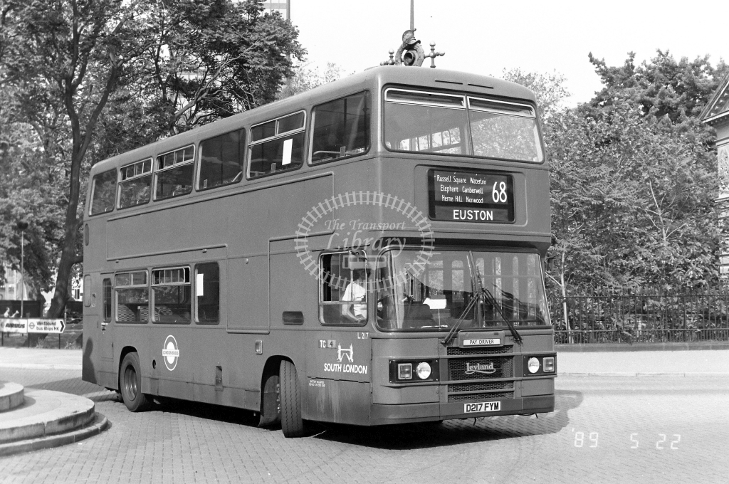 South London Leyland Olympian Class L L217 D217FYM at Euston ,Station  in 1989 on route 68 - Russell Fell