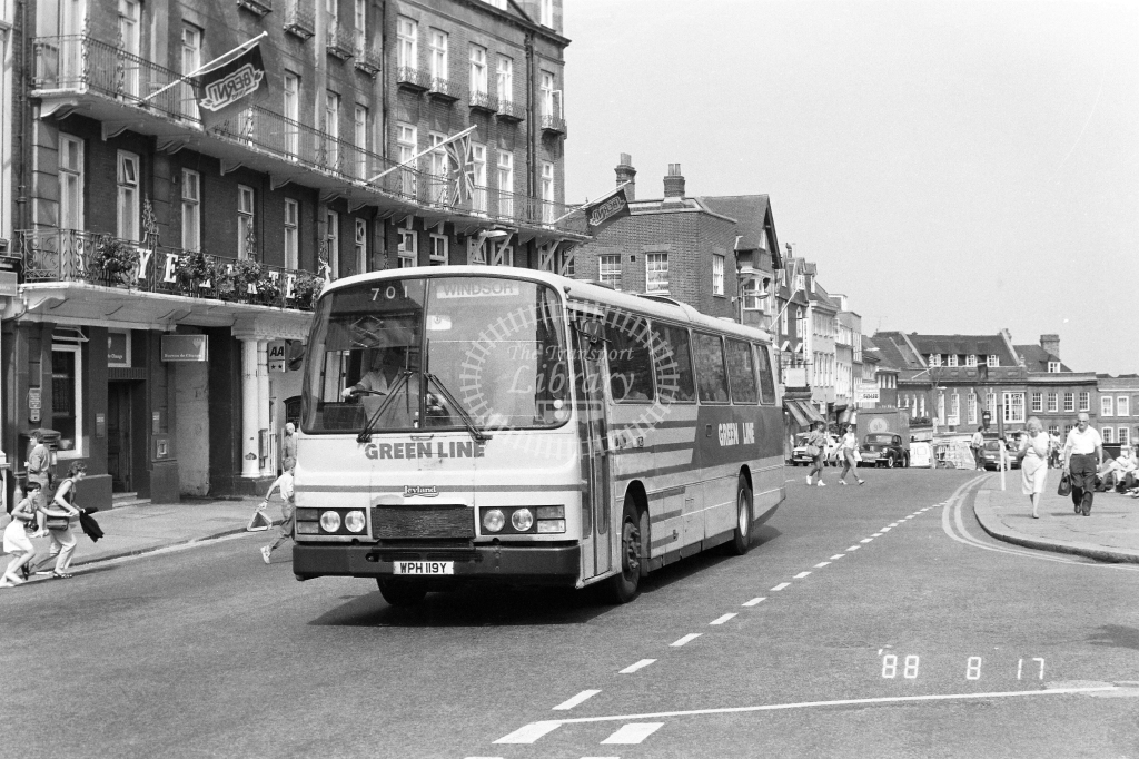 London Country North West Green Line Leyland Tiger Class TL TL19 WPH119Y at Windsor  ,Castle  in 1988 on route 701 - Russell Fell