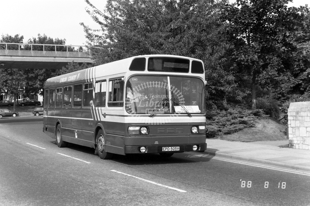 London Country North West Leyland National Class SNB SNB505 EPD505V at Hemel Hempstead ,Moor End Rd.  in 1988 on route Park & Ride - Russell Fell