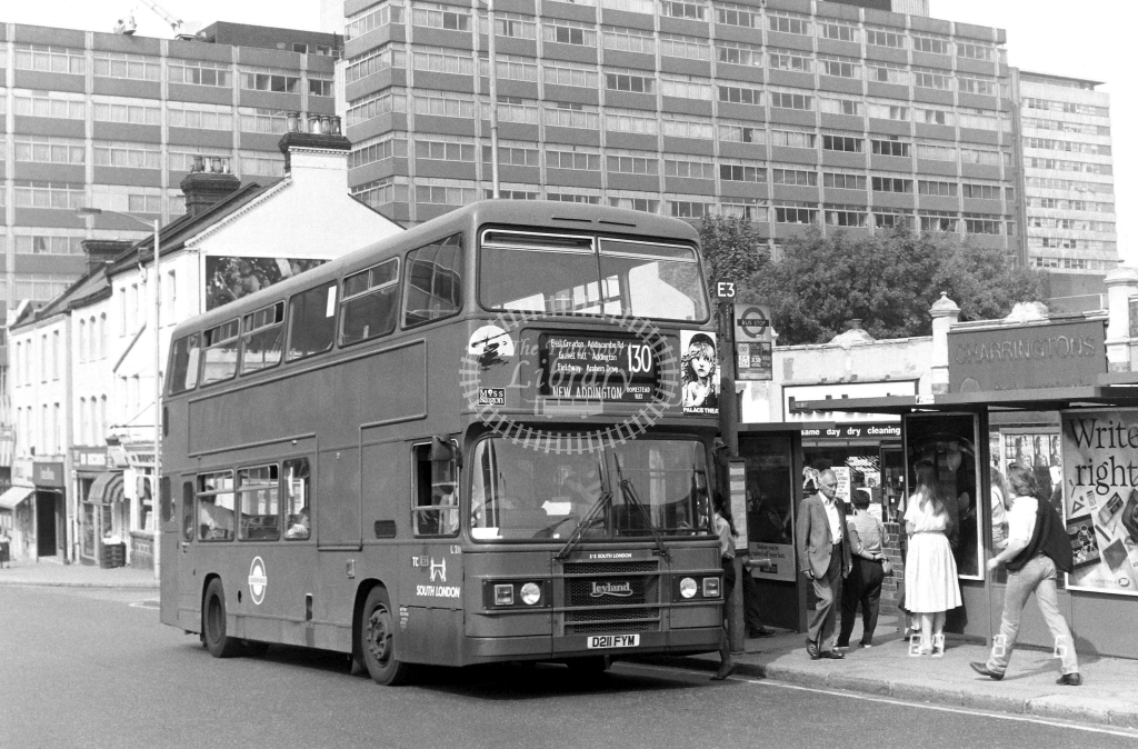 South London Leyland Olympian Class L L211 D211FYM at East Croydon ,Station  in 1989 on route 130 - Russell Fell