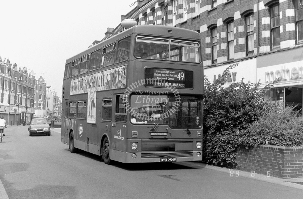 South London MCW Metrobus Class M M254 BYX254V at Clapham Junction ,St Johns Rd.  in 1989 on route 49 - Russell Fell