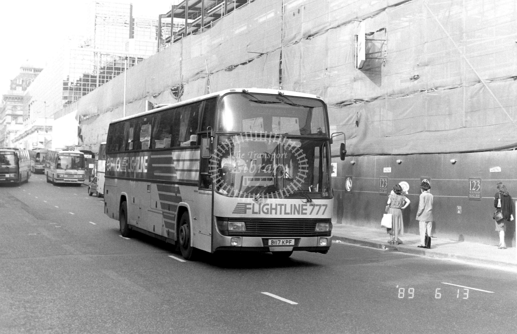 London Country South  West Flightline Leyland Tiger Class BTL BTL17 B117KPF at Victoria ,Buckingham Palace Rd.  in 1989 on route 777 - Russell Fell