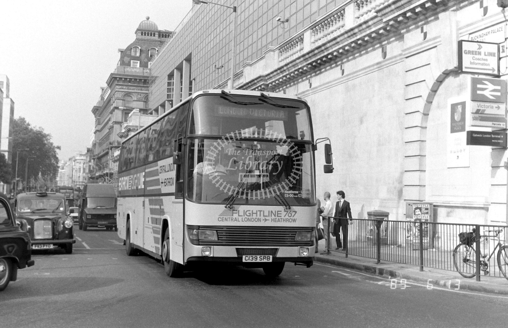 London Country South  West Green Line Leyland Tiger Class BTL BTL39 C139SPB at Victoria ,Buckingham Palace Rd.  in 1989 on route 767 - Russell Fell