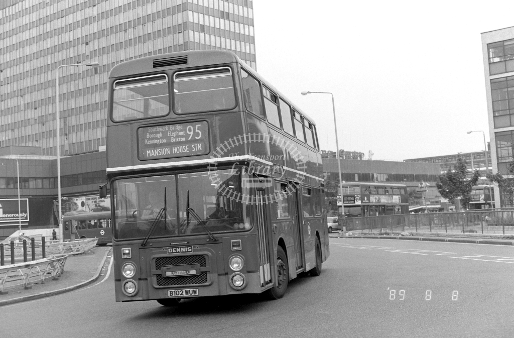 South London Dennis Dominator Class H H2 B102WUW at Elephant & Castle ,LT Station  in 1989 on route 95 - Russell Fell