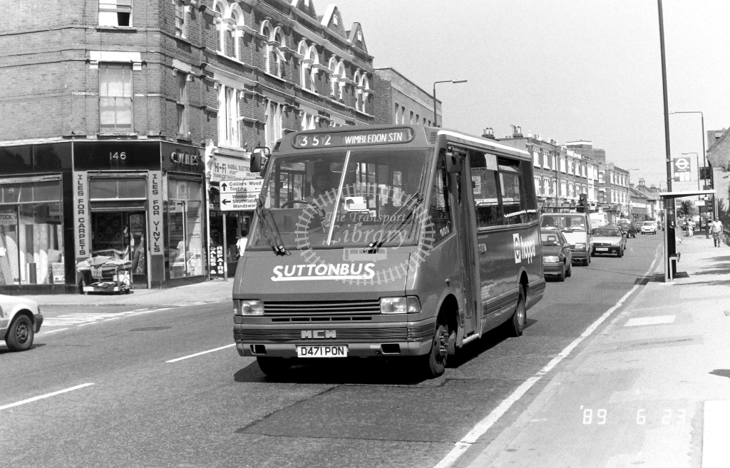 Sutton Bus Metrorider Class MR MR11 D471PON at Merton ,High Street  in 1989 on route 352 - Russell Fell