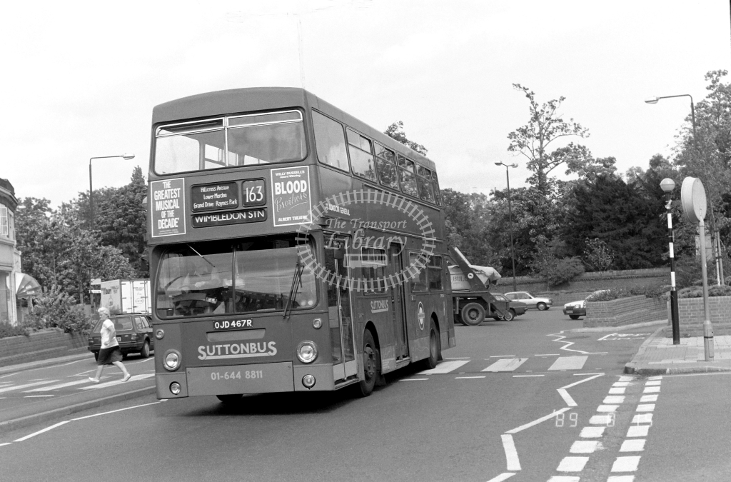 Sutton Bus Daimler Fleetline Class DMS DMS2467 OJD467R at Morden ,Morden Hall Rd.  in 1989 on route 163 - Russell Fell