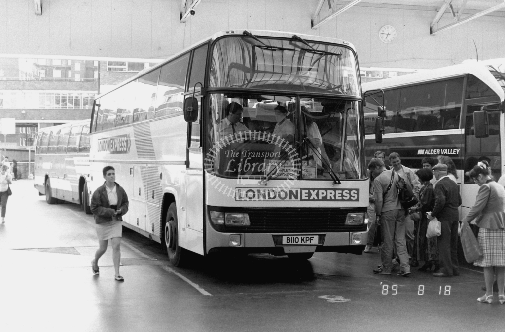 London Country South  West Green Line Leyland Tiger Class BTL BTL10 B110KPF at Victoria ,Bus Station  in 1989 on route 777 - Russell Fell