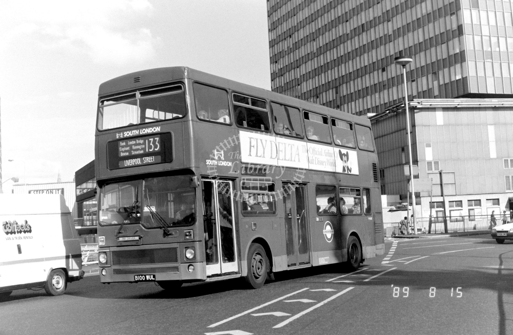 South London MCW Metrobus Class M M1100 B100WUL at Elephant & Castle ,LT Station  in 1989 on route 133 - Russell Fell