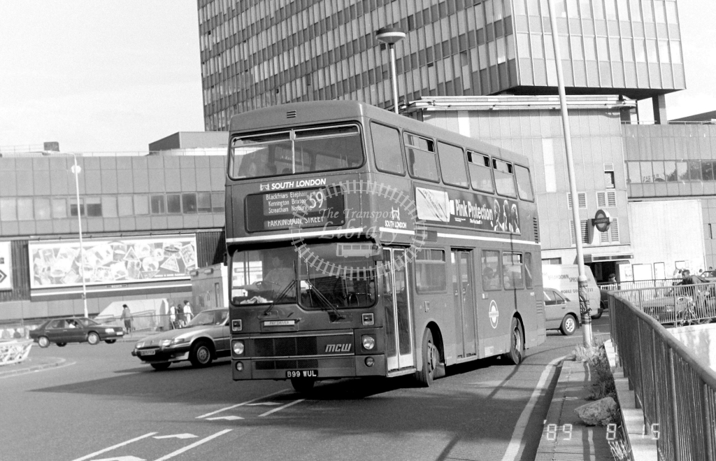South London MCW Metrobus Class M M1099 B99WUL at Elephant & Castle ,LT Station  in 1989 on route 59 - Russell Fell