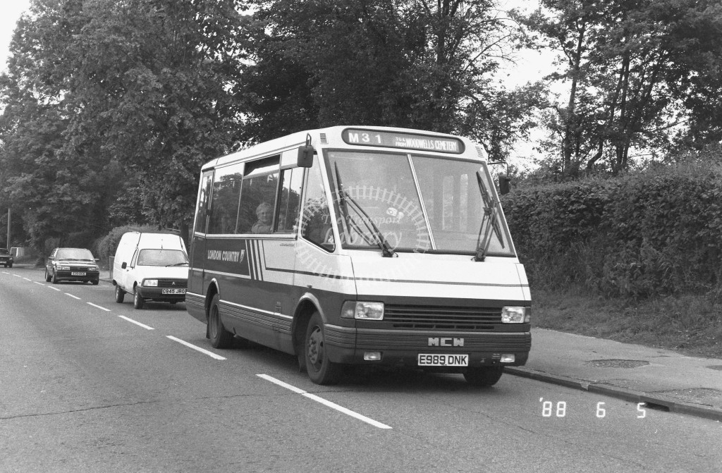 London Country North West MCW Metrorider MCW19 E989DNK  at Hemel Hempstead , Adeyfield  in 1988 on route  M31  - Russell Fell
