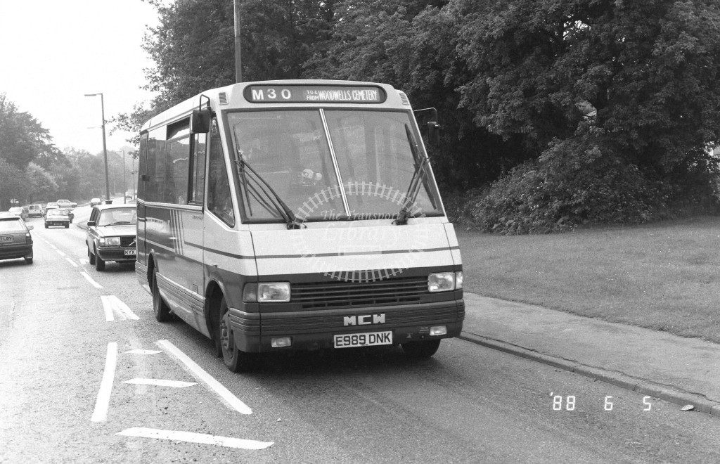 London Country North West MCW Metrorider MCW19 E989DNK  at Hemel Hempstead  in 1988 on route  M30  - Russell Fell