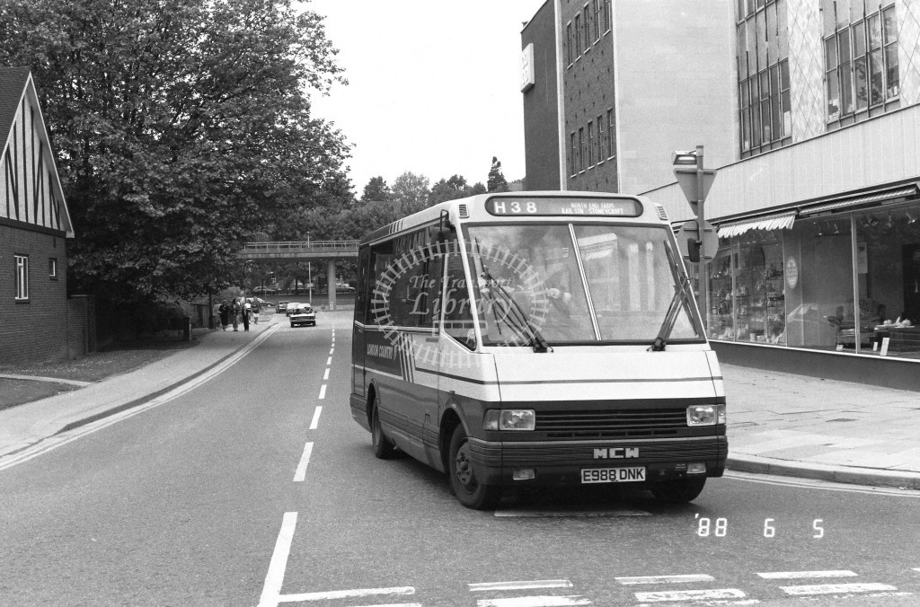 London Country North West MCW Metrorider MCW18 E988DNK  at Hemel Hempstead , Moor End  in 1988 on route  H38  - Russell Fell