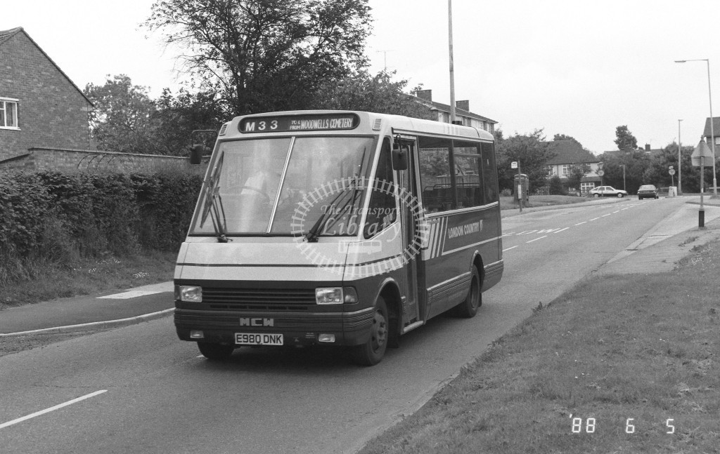 London Country North West MCW Metrorider MCW20 E980DNK  at Hemel Hempstead , Adeyfield  in 1988 on route  M33  - Russell Fell
