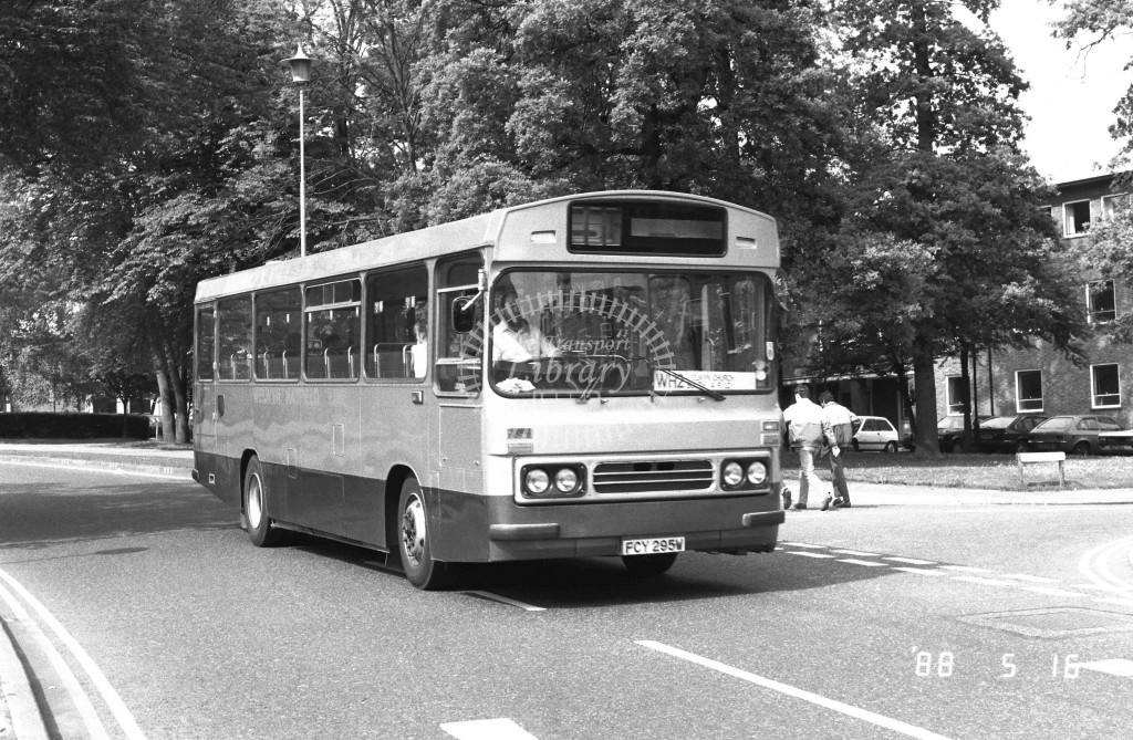 Welwyn Hatfield Line Bedford YMQ FCY295W  at Welwyn Garden City , Ludwick Way  in 1988 on route  WH2  - Russell Fell