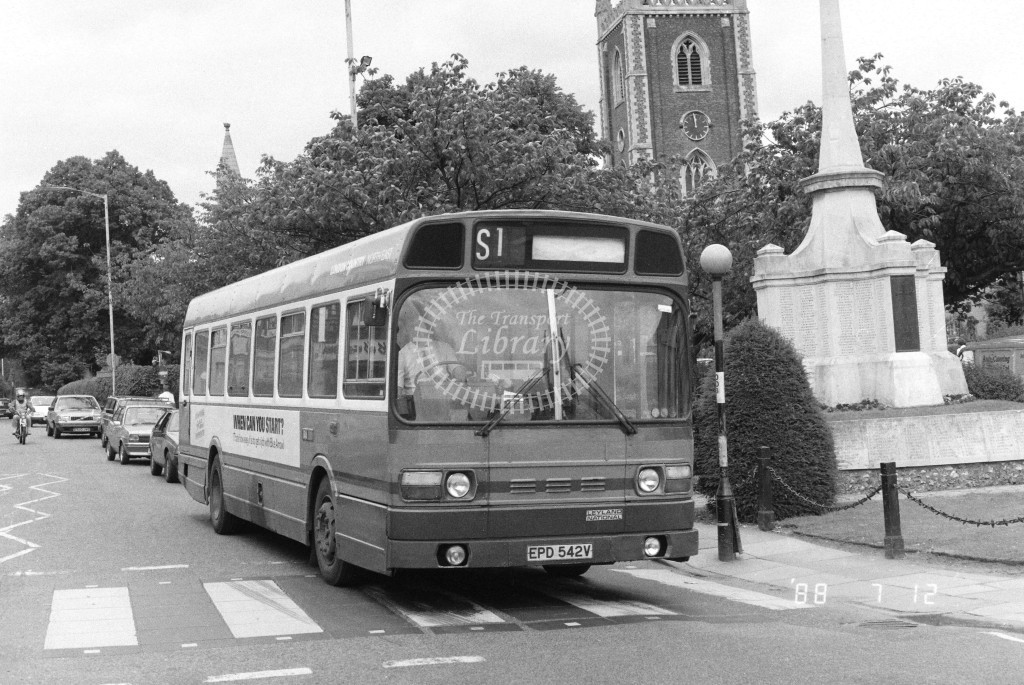 London Country North East Leyland National SNB542 EPD542V  at St Albans , St Peter's St.  in 1988 on route  S1  - Russell Fell