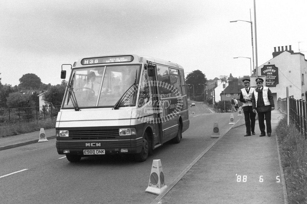 London Country North West MCW Metrorider MCW18 E988DNK  at Hemel Hempstead , Fishery Road  in 1988 on route  H38  - Russell Fell