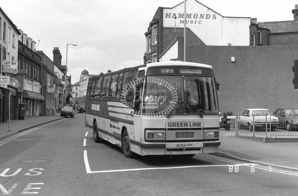 London Country North West Leyland Tiger TP68 B268KPF  at Watford  , High Street  in 1988 - Russell Fell