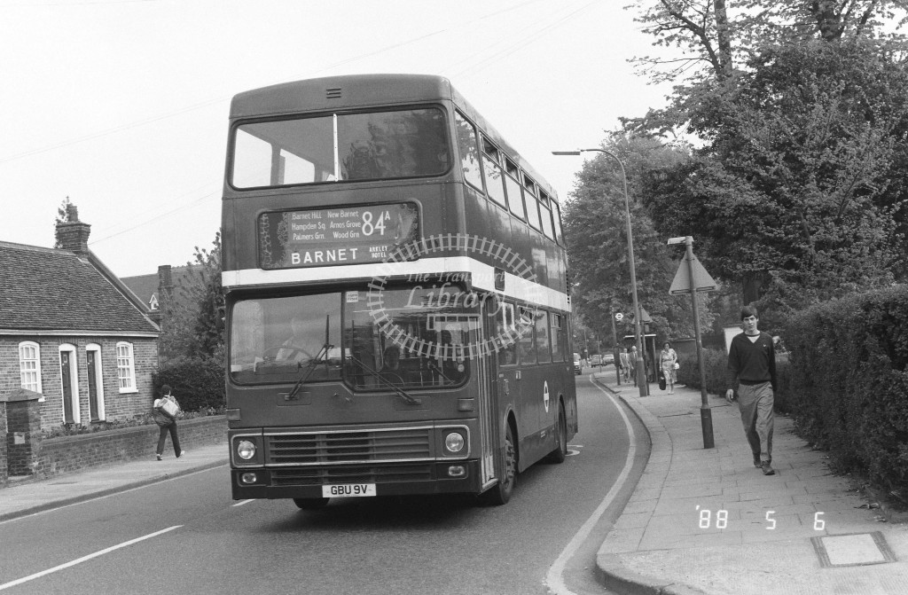 London Buses MCW Metrobus M1447 GBU9V  at Barnet , Wood Street  in 1988 on route  84A  - Russell Fell