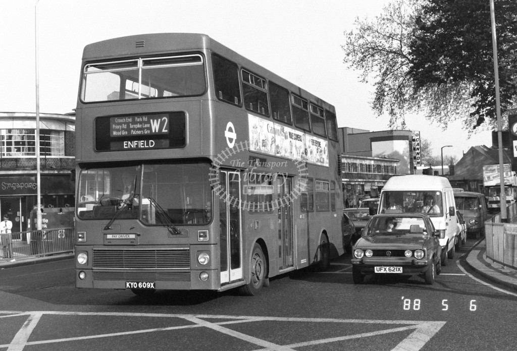 London Buses MCW Metrobus M609 KYO609X  at Turnpike Lane , LT Station  in 1988 on route  W2  - Russell Fell