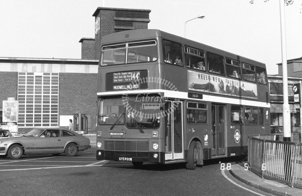 London Buses MCW Metrobus M450 GYE450W  at Turnpike Lane , LT Station  in 1988 on route  144A  - Russell Fell