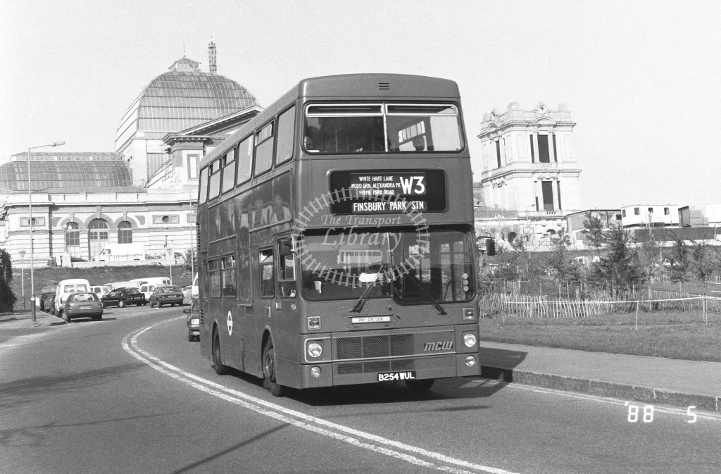 London Buses MCW Metrobus M1254 B254WUL  at Alexandra Palace , Alex. Palace Way  in 1988 on route  W3  - Russell Fell