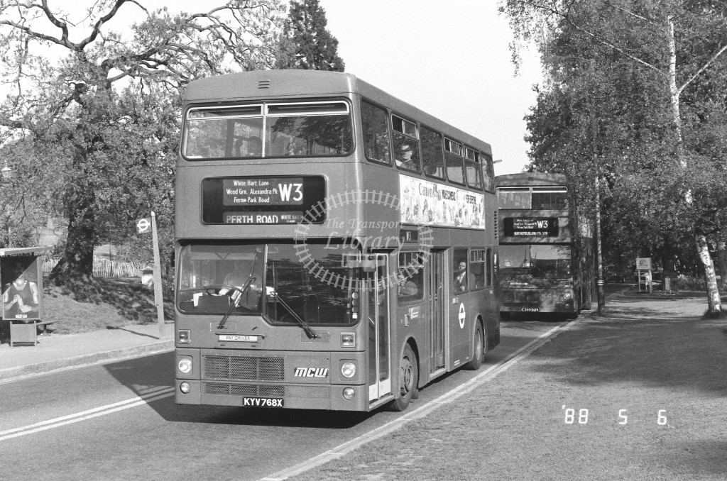 London Buses MCW Metrobus M768 KYV768X  at Alexandra Palace , Alex. Palace Rd  in 1988 on route  W3  - Russell Fell