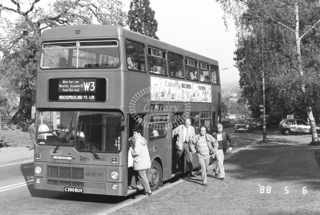 London Buses MCW Metrobus M1390 C390BUV  at Alexandra Palace , Alex. Palace Rd  in 1988 on route  W3  - Russell Fell