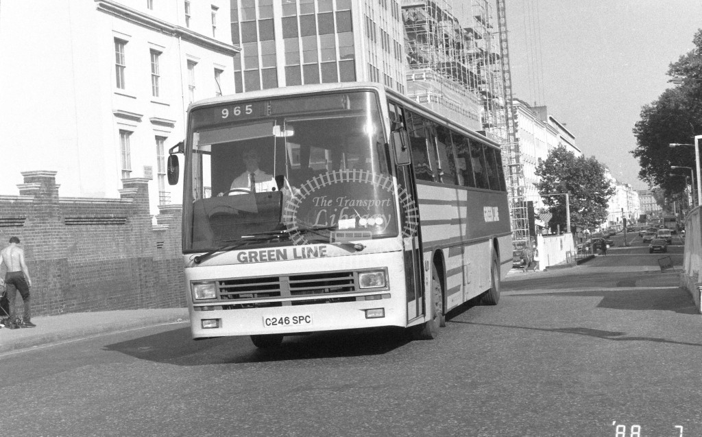 London Country South West Leyland Tiger TDL46 C246SPC  at Victoria , Ecclestone Bridge  in 1987 on route  965  - Russell Fell