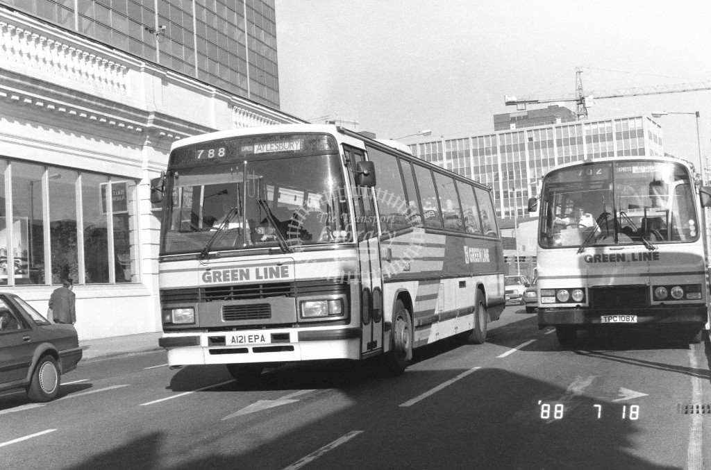 London Country North West Leyland Tiger TP21 A121EPA  at Victoria , Ecclestone Bridge  in 1988 on route  788  - Russell Fell
