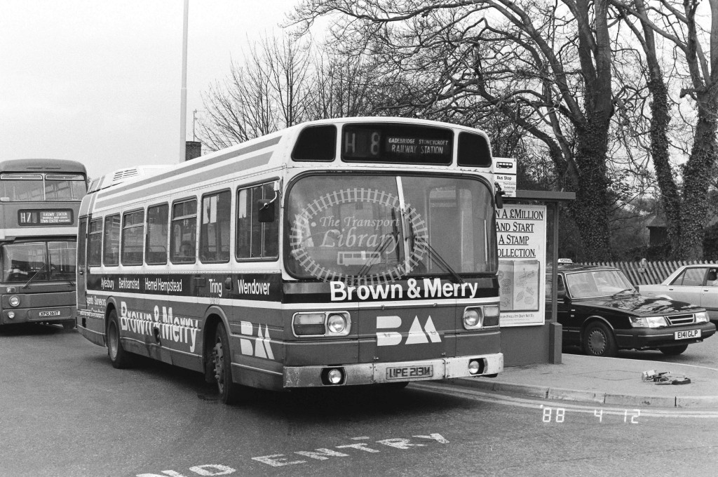 London Country North West Leyland National SNB113 UPE213M  at Hemel Hempstead , Station  in 1988 on route  H8  - Russell Fell