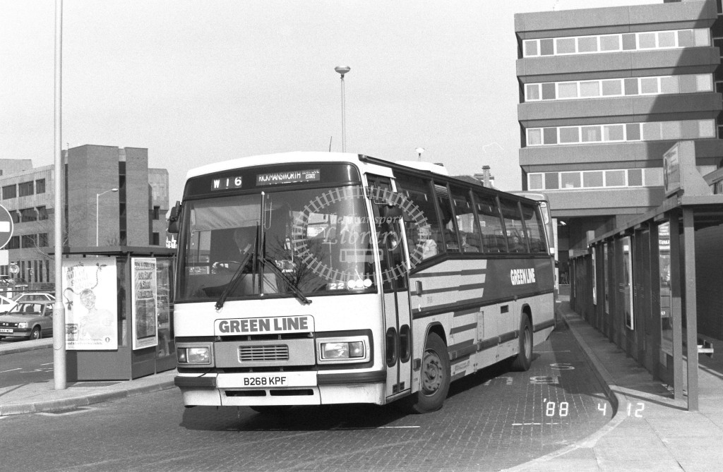 London Country North West Leyland Tiger TP68 B268KPF  at Watford  , Junction Station  in 1988 on route  W16  - Russell Fell