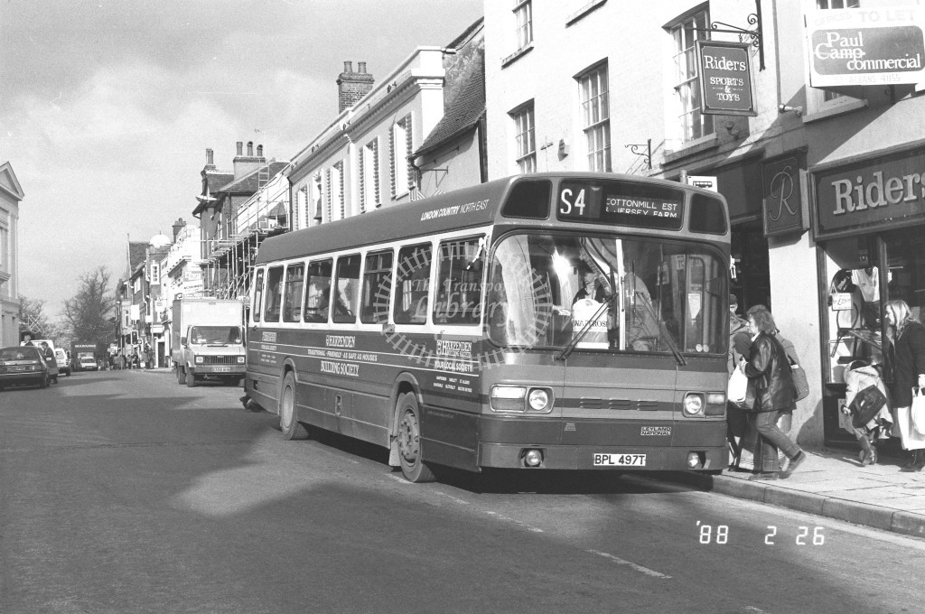 London Country North East Leyland National SNB497 BPL497  at St Albans , Chequer St  in 1988 on route  S4  - Russell Fell