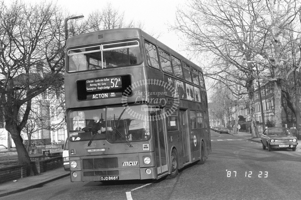 London Buses MCW Metrobus M868 OJD868Y  at Ladbroke Grove , St Quentin Rd  in 1987 on route  52A  - Russell Fell