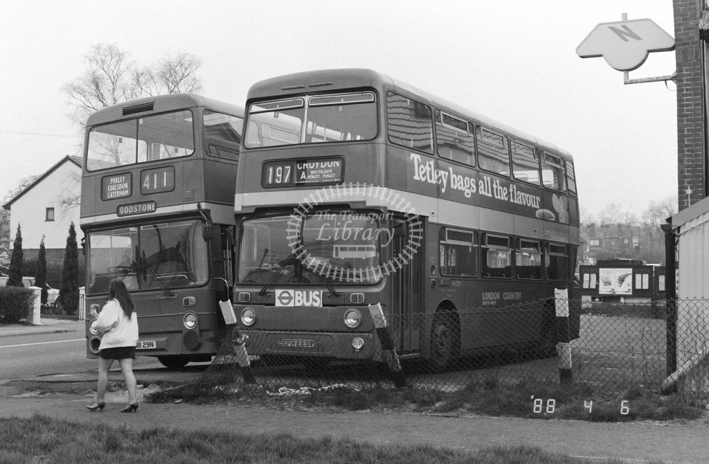 London Country South West Leyland Atlantean Class AN AN229  on route 197A EPH229V  at Godstone  in 1988 - Russell Fell
