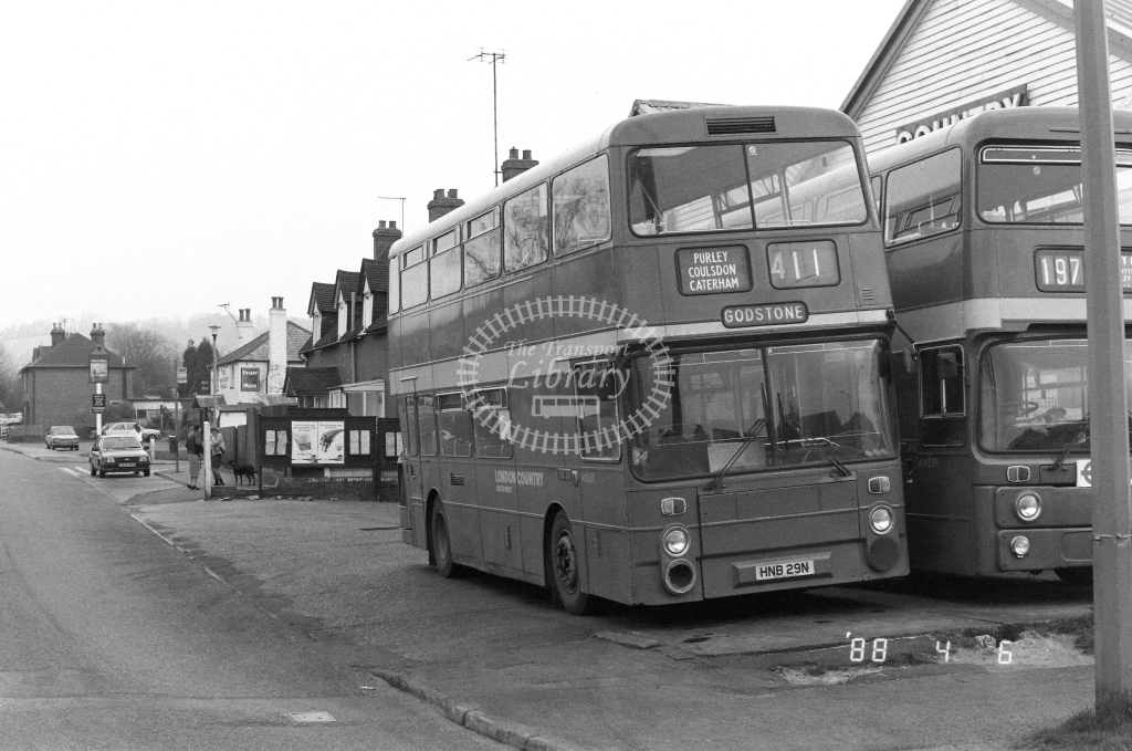 London Country South West Leyland Atlantean Class AN AN381  on route 411 HNB29N  at Godstone  in 1988 - Russell Fell