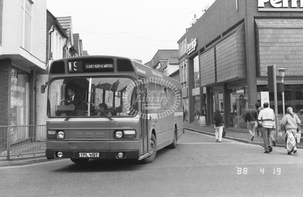 London Country North West Leyland National Class SNB SNB413  on route W9 YPL413T  at Watford   in 1988 - Russell Fell