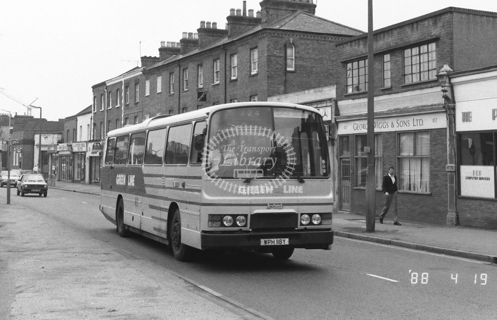 London Country North East Leyland Tiger Class TL TL18  on route 724 WPH118Y  at Watford   in 1988 - Russell Fell