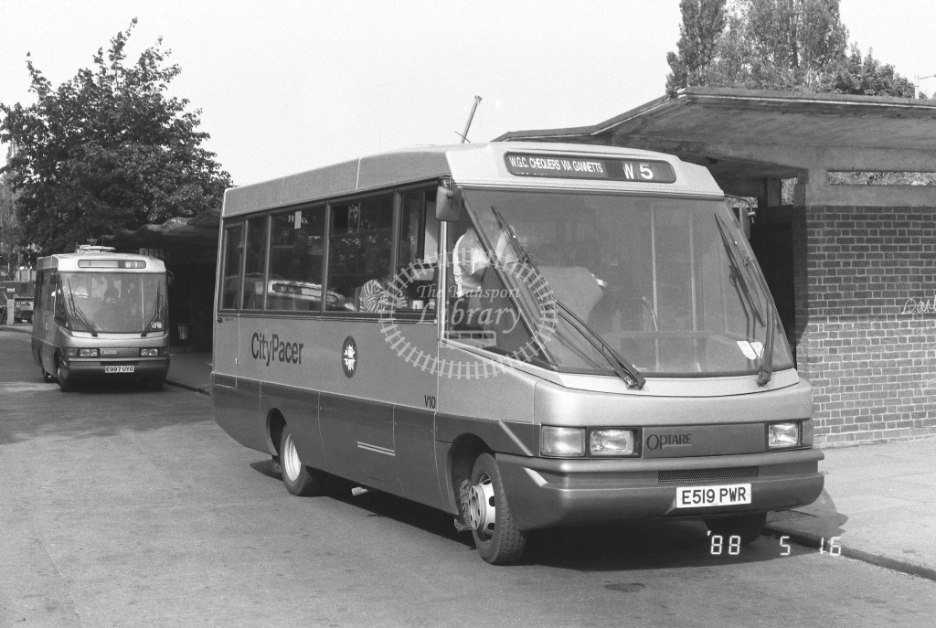 Welwyn Hatfield Line Volkswagen LT55 V V10  on route W5 E519PWR  at Welwyn Garden City  in 1988 - Russell Fell