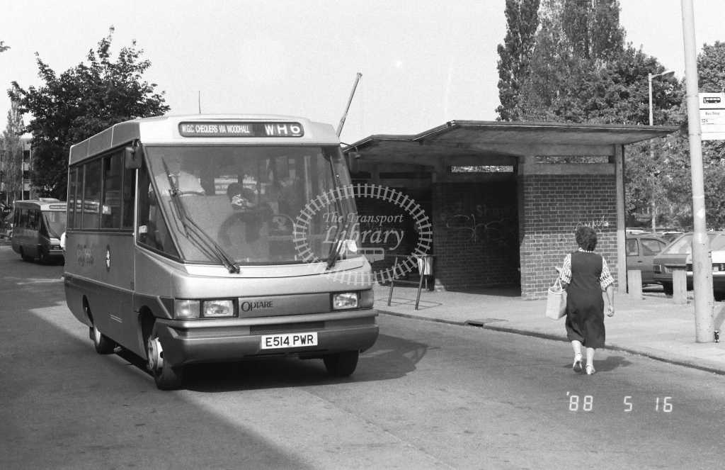 Welwyn Hatfield Line Volkswagen LT56 Class VO VO5  on route WH6 E514PWR  at Welwyn Garden City  in 1988 - Russell Fell