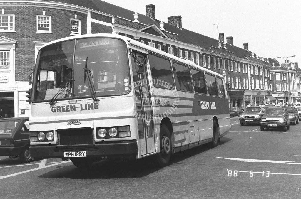 London Country South West Leyland Tiger Class TL TL22  on route 727 WPH122Y  at Epsom  in 1988 - Russell Fell