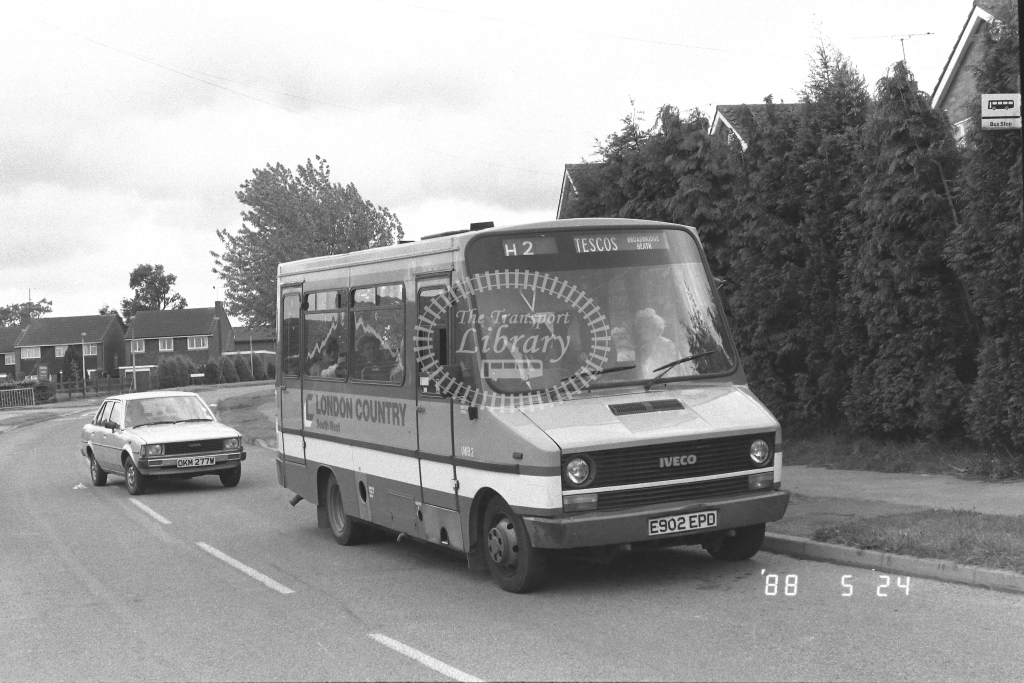 London Country South West Iveco Daily Class IMB IMB2  on route H2 E902EPD  at Horsham   in 1988 - Russell Fell