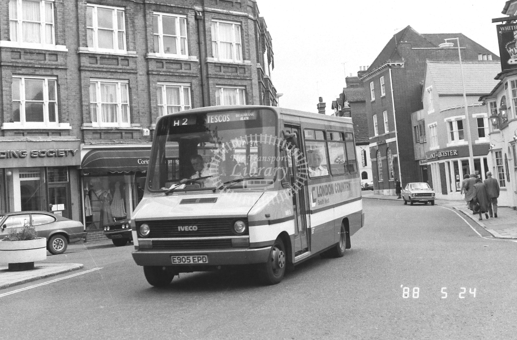 London Country South West Iveco Daily Class IMB IMB5  on route H2 E905EPD  at Horsham   in 1988 - Russell Fell