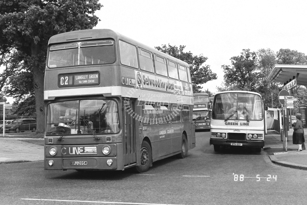 London Country South West Leyland Atlantean Class AN AN285  on route C2 KPJ285W  at Crawley  in 1988 - Russell Fell