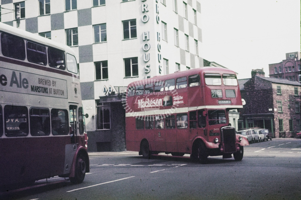 Manchester Leyland PD2/12 2333 PND453 at City centre in Undated - Robin Hannay