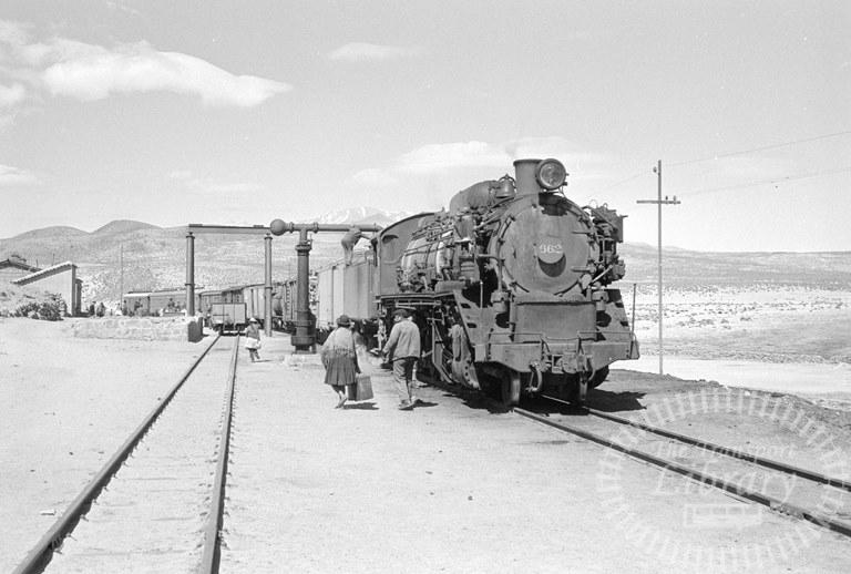 Bolvia Railways Empressa Ferrocarril Nacional de Bolivia Steam Locomotive Class 2-8-2 662  at Unknown location in 1974 - Tommy Farr