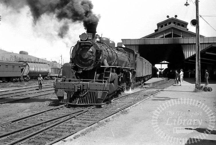 FCE Chile Railways Steam Locomotive Class 80 859  at Temuco in 1974 - Tommy Farr