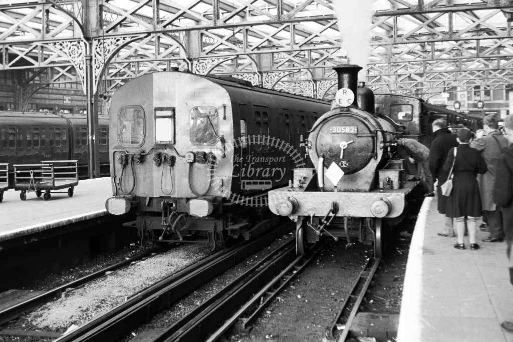 British Railways Steam Locomotive & Electric Unit Class 0415, 4-SUB 30582, 4740  at Waterloo  in 1961 -  19/03/1961  - Dr T Gough