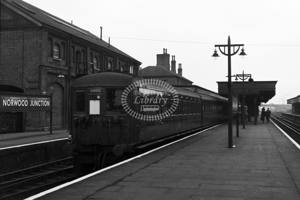 British Railways Electric Railcar Class 4-SUB 4305  at Norwood Junction  in 1961 -  22/03/1961  - Dr T Gough